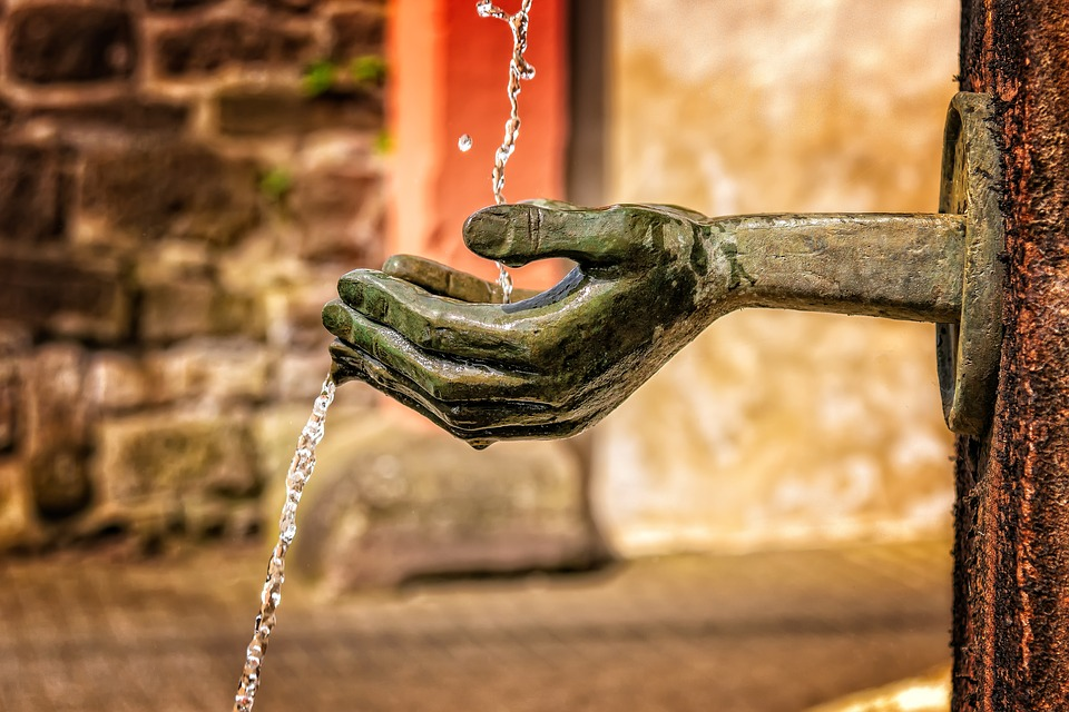 fountain-3412242_960_720